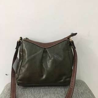Womens's Olive crossbody bag