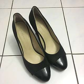 Working high heel shoes - size 8