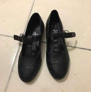 全新 瑕疵 雕花 復古 T字 黑色 瑪麗珍平底鞋