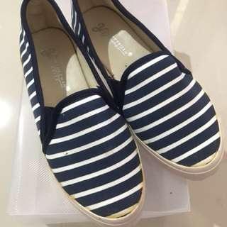Sepatu Stripe Belang Biru