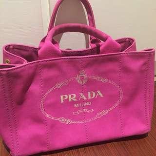 Prada桃紅色單寧提帶托特包