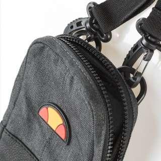 🔸預購🔸Ellesse 肩背包 側背小包 腰包