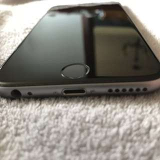IPhone 6 16gb mint condition *bonus Mophie case*