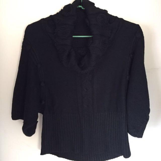 黑色套頭針織上衣