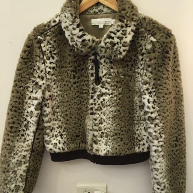 短版羊毛外套