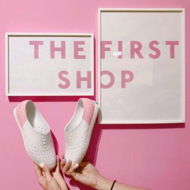 全新 Native 女神限量款 超美色票鞋~ 粉紅色 明星愛款 雨天神器 W7 23.5號 正品