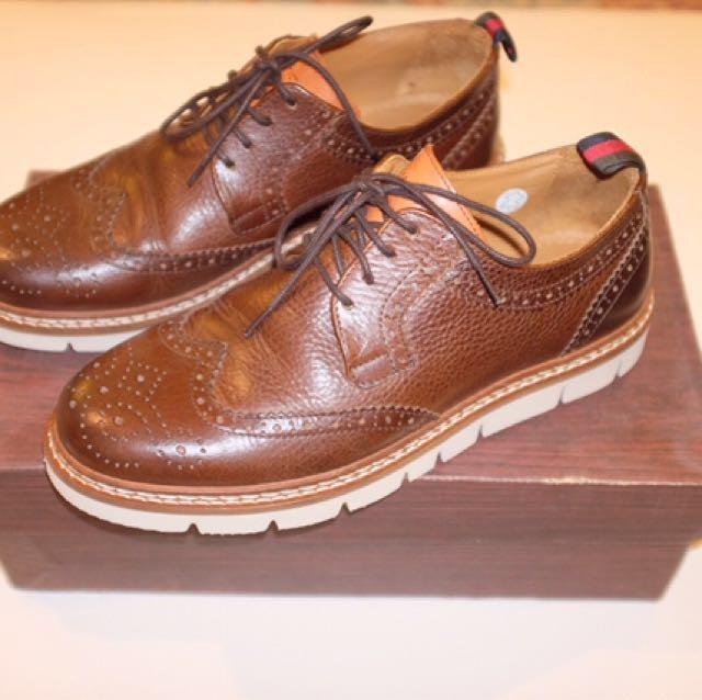 Ambitious Brogue Shoes ( Sepatu Formal )
