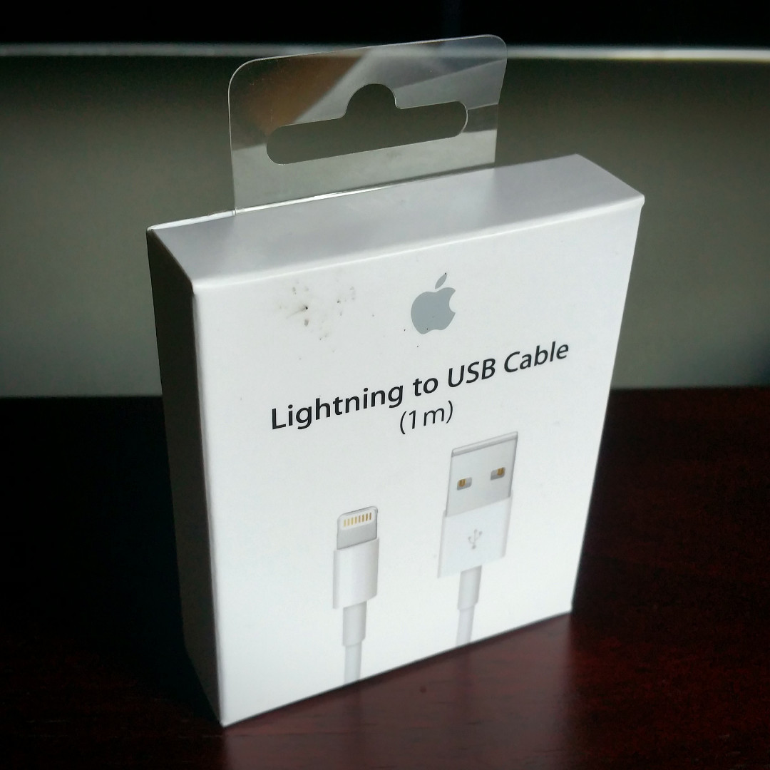 Apple 1m Lightning to USB cable (original, unopened)