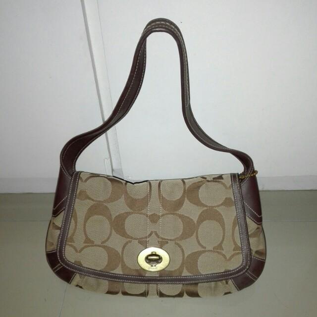 Authentic / original coach shoulder bag