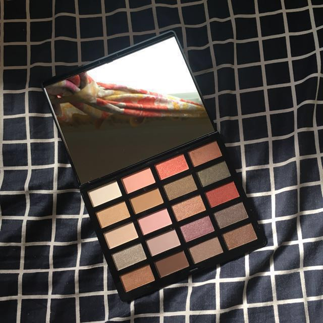 Authentic H&M Beauty Eye Palette