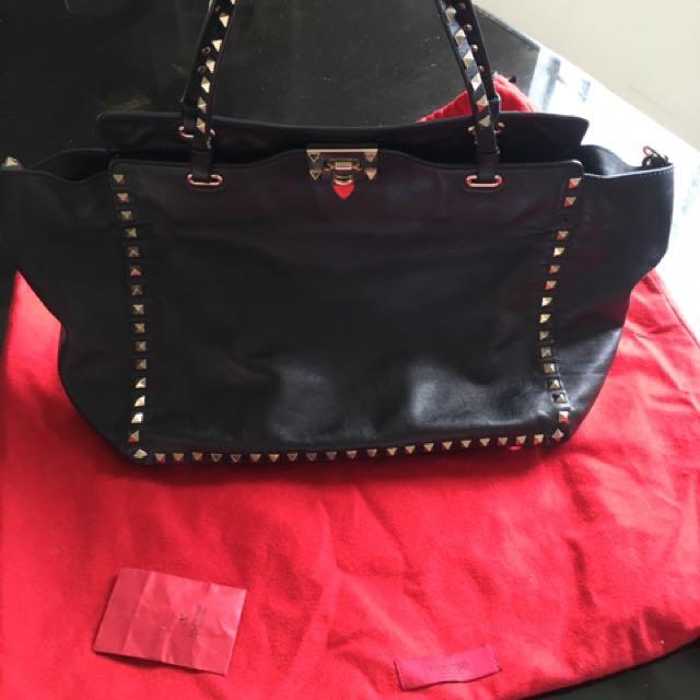 8badc55582a2 Authentic Valentino Garavani Bag
