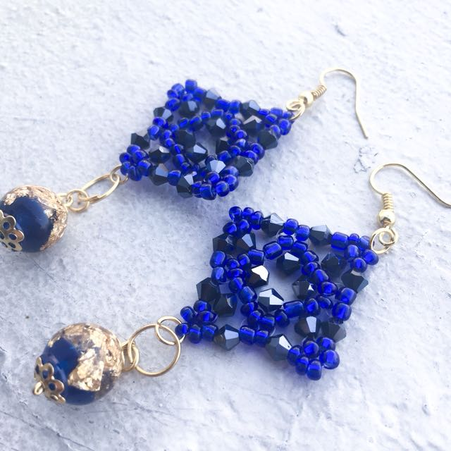 Beaded midnight blue earrings with gold flakes; dangling earrings; beaded earrings; elegant earrings