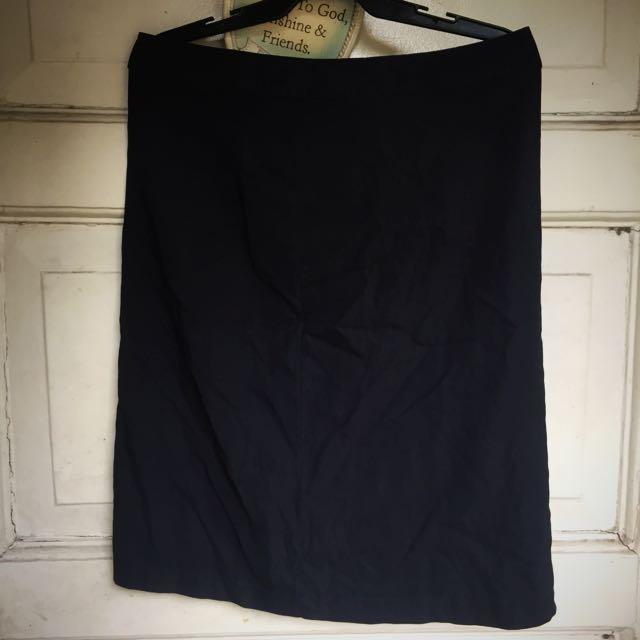 Black Medium Skirt