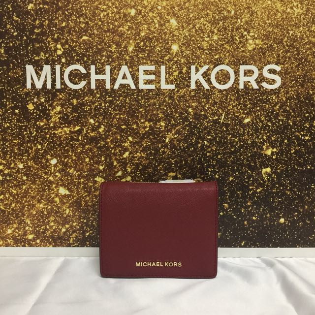 594337640848 BN Authentic Michael Kors Jet Set Travel Saffiano Leather Card Case Wallet  Cherry, Luxury, Bags & Wallets on Carousell