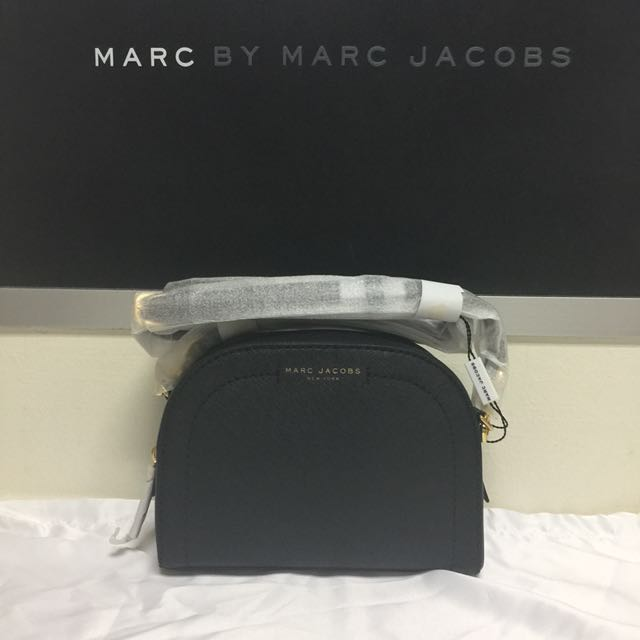 BN Marc Jacobs playback Leather Crossbody Bag Black