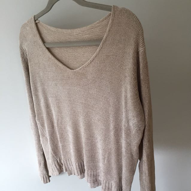 Brandy Melville soft beige sweater