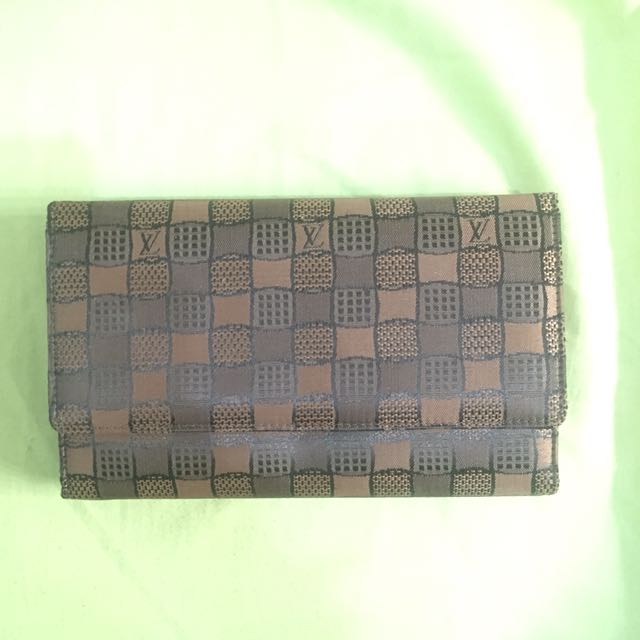 BROWN WALLET WITH LONG STRAP