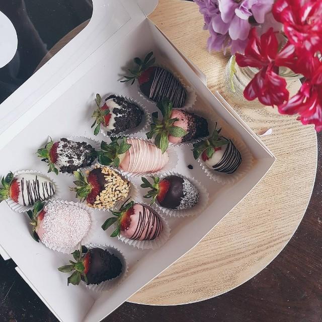 Chocolate-covered fresh strawberries