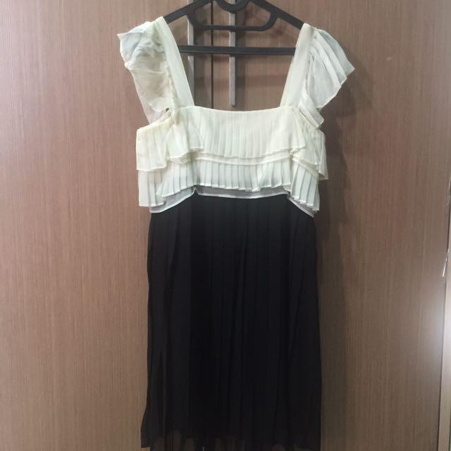 cute pleat dress