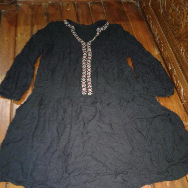 Dress Hitam Tangan Panjang