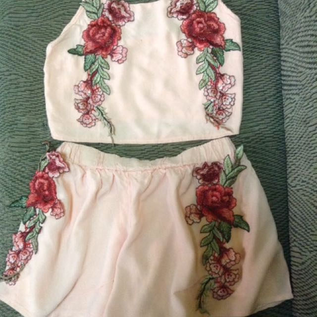 Embroidered crop top and shorts