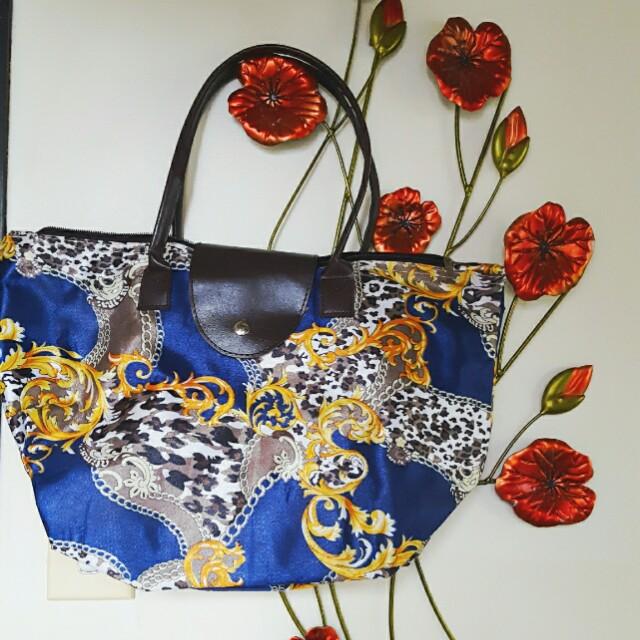 Grecian design tote bag