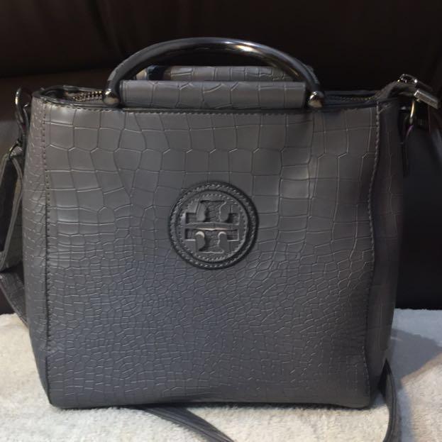 💜grey sling bag