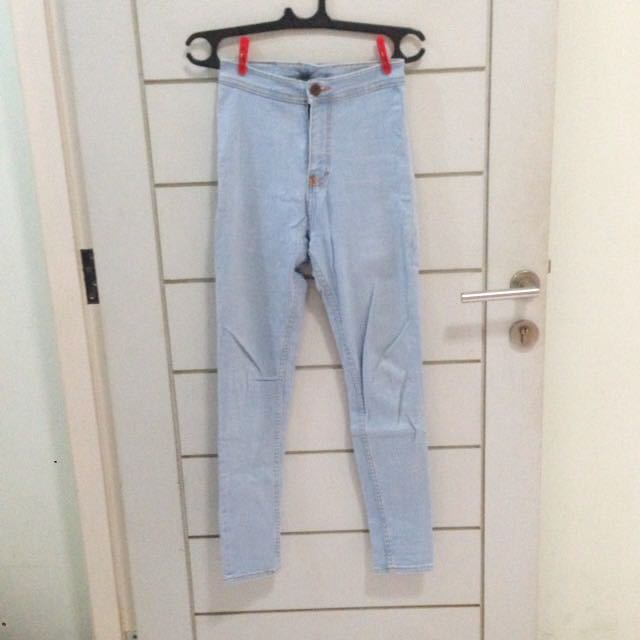 Highwaisted Light Blue Denim Jeans (Punny Jeans)