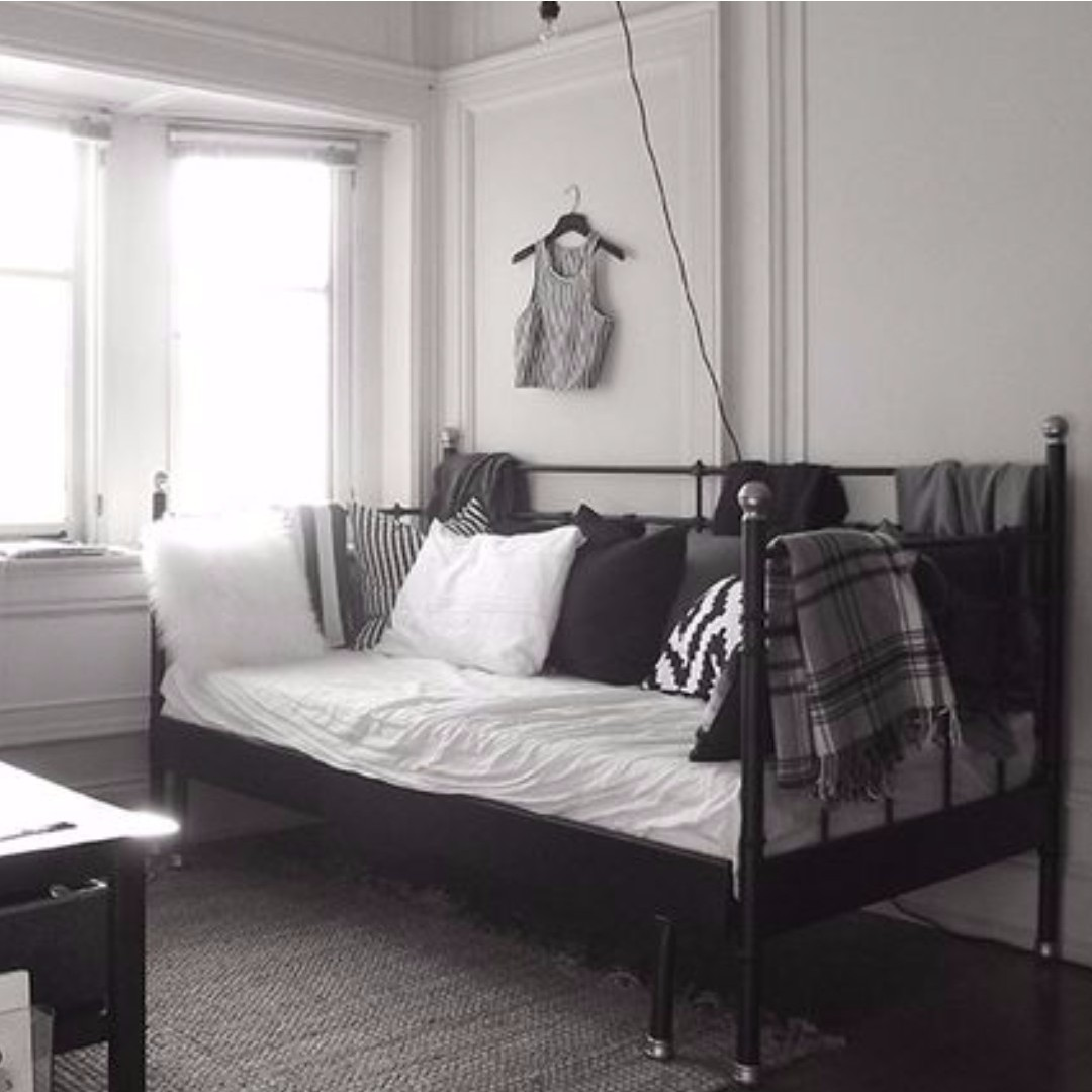 IKEA SVELVIK DAYBED THAT PULLS OUT TO BE A DOUBLE BED (LIMITED ...