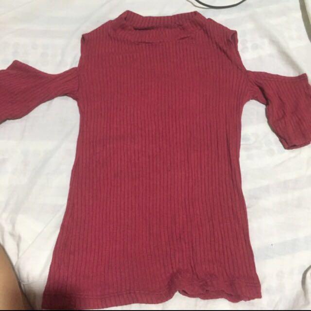 Knitted offshoulder