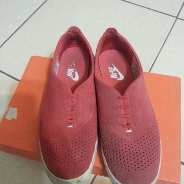 Nike輕便鞋