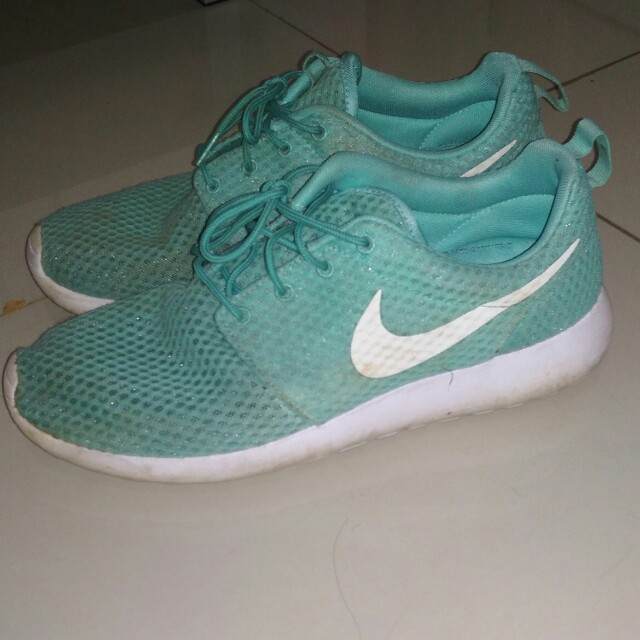 Nike Roshe one Mint USED