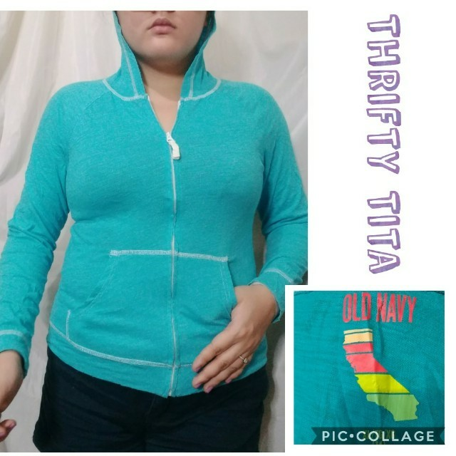 Old Navy Hoodie in Small