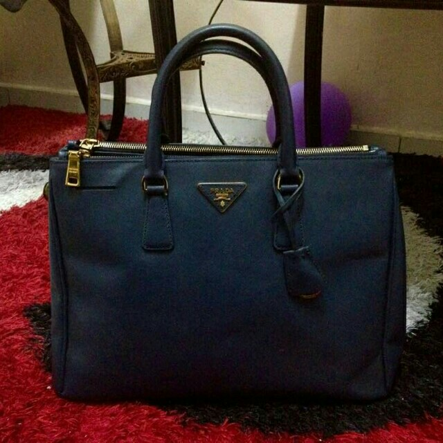 df0a4b771776 ... inexpensive prada milano dal 1913 womens fashion bags wallets on  carousell 1c137 23e40