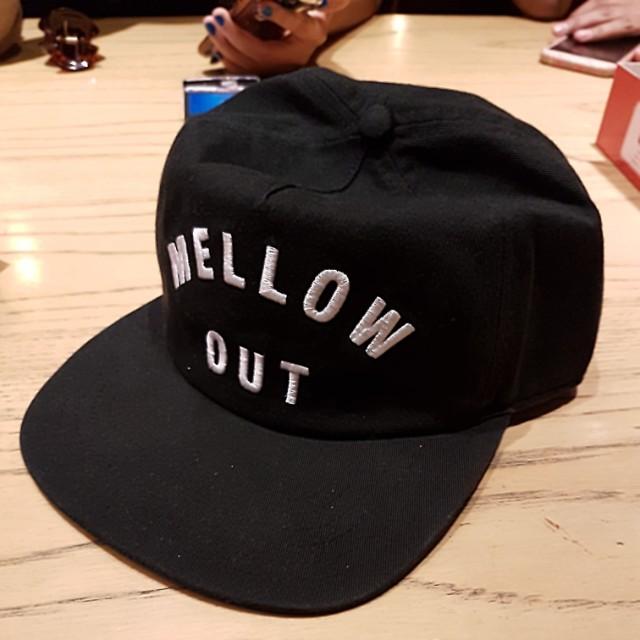 Quiksilver hat . Mellow out.