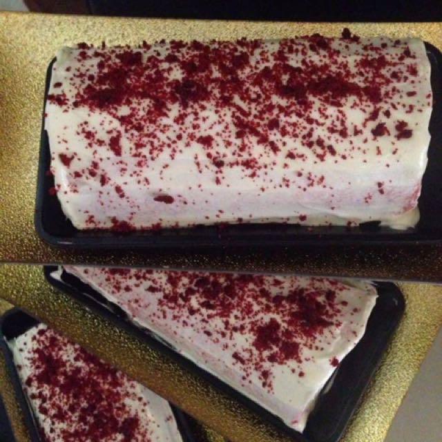 Red Velvel Cake Roll