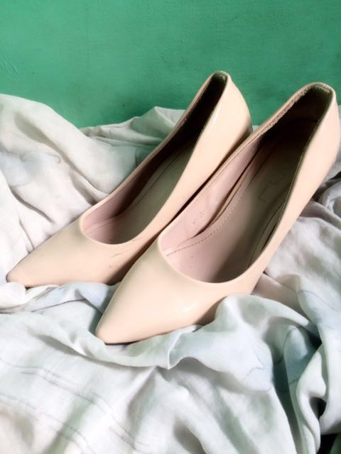 REPRICED!! Nude pointed heels