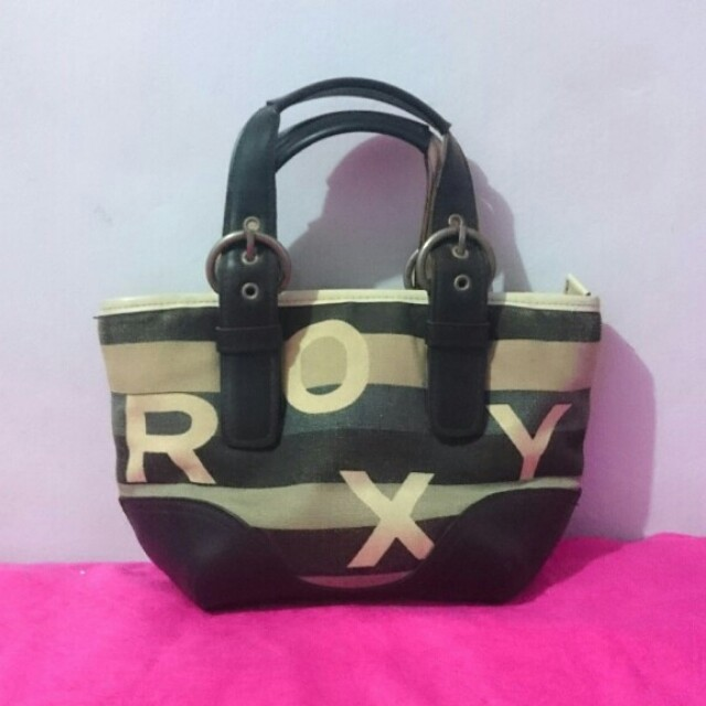 FREE Roxy Small Hand Bag