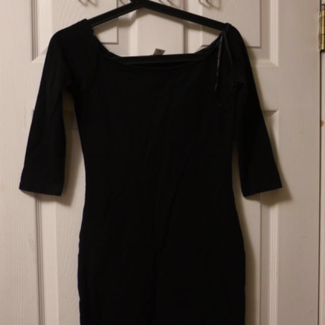 *short* Forever 21 Black Dress