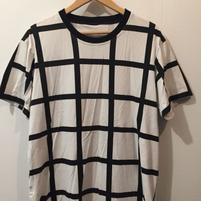 Sly Guild T-Shirt Size Large