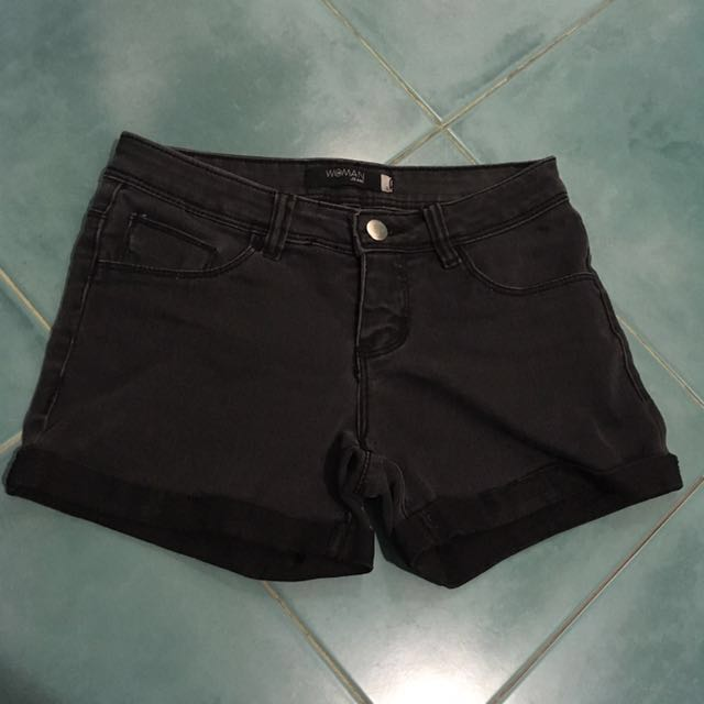 SM Woman Black Shorts
