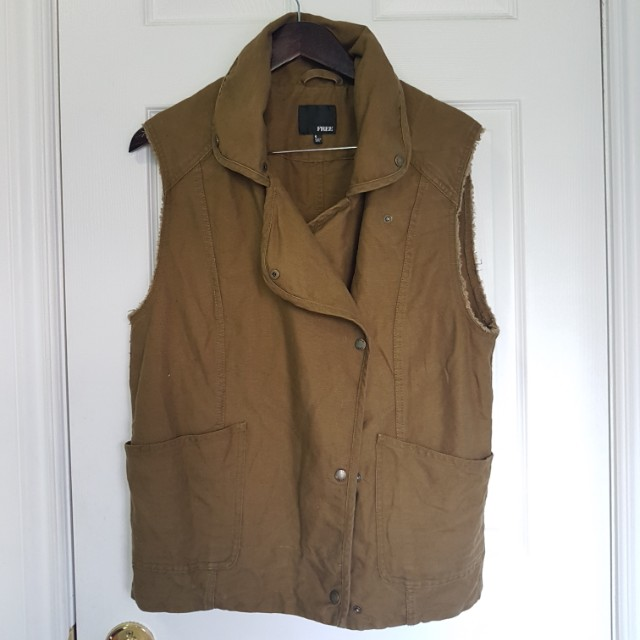 WILFRED FREE Aritzia army green vest