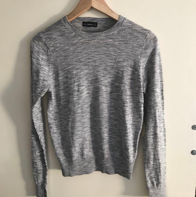 zara. brand new grey knit size M
