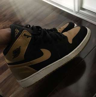 Jordan 1 Black and Gold size 7