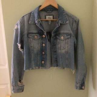 Ripped jean jacket forever twenty one/XXI/21