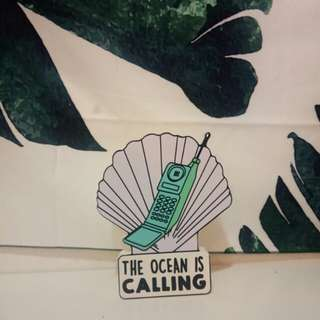 The Ocean is Calling Typo Wooden Deco