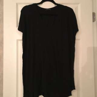 Brandy Melville vneck oversized top black