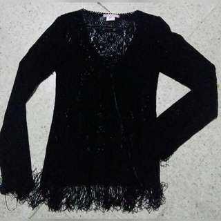 black outer lace fringe