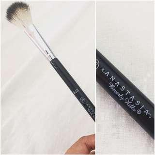ABH illuminati brush