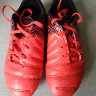 Puma kids soccer football boots size UK1/EUR33/US2C